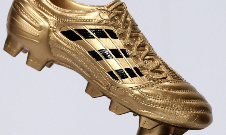 Battle for the Golden boot gets more confusing