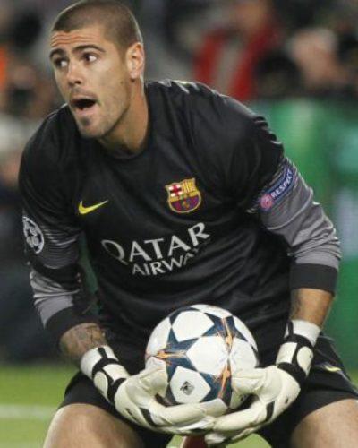 Legendary Barcelona Goalkeeper Announces Retirement