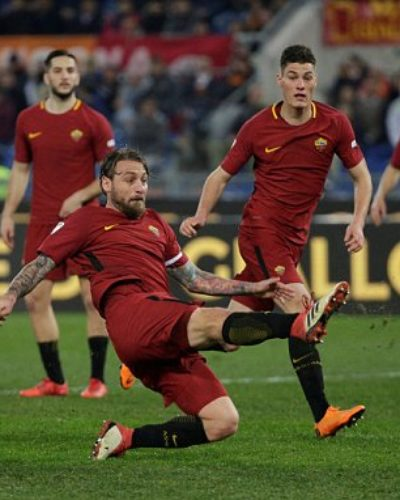 Kostas Manolas on Target as Roma Trashes Torino 3-0