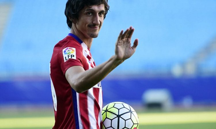 Chelsea in Talks to Sign Atletico's Savic
