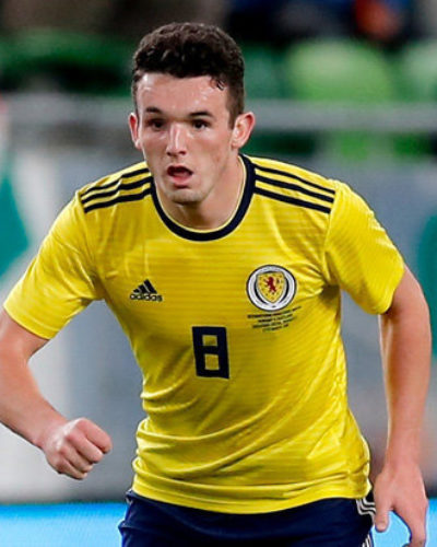 Celtic close to signing John McGinn from Hibernian