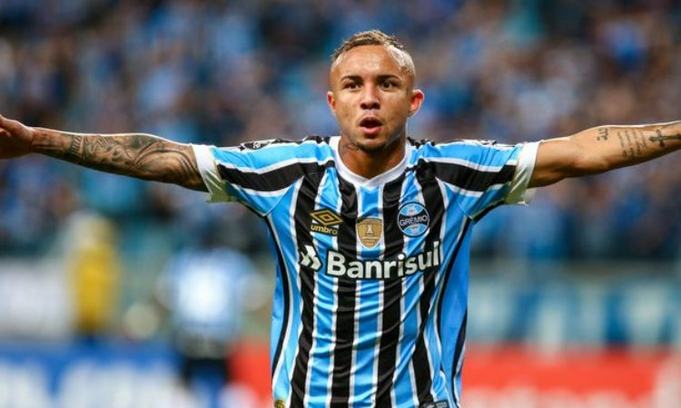 Transfer talk: Manchester United turn to Gremio hit-man